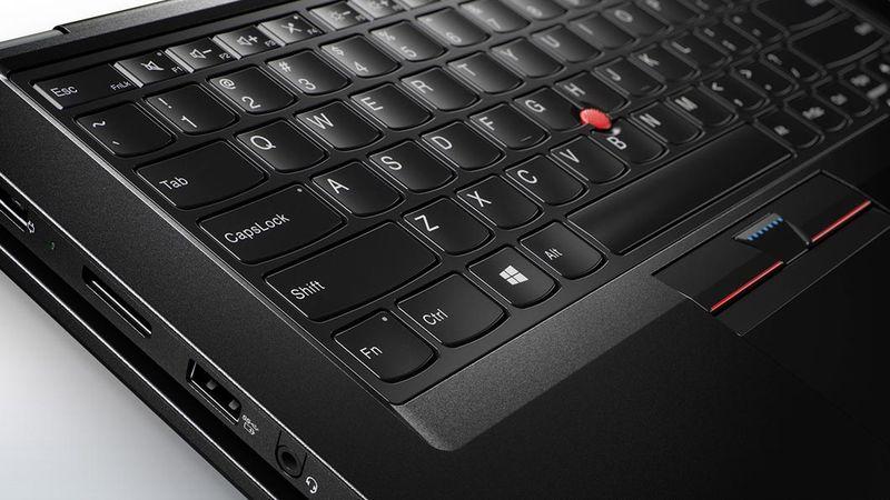 Lenovo-laptop-thinkpad-p40-yoga-keyboard-detail-7